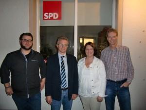 v.l.n.r.: Stellvertr. Vors. Stephan Schulte, MdL Frank Henning, Stellvertr. Vorsitzende Viviane Hallmann und Sönke Nagel